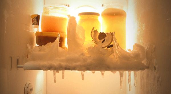 xử lí tủ lạnh bị đóng tuyết tại nhà