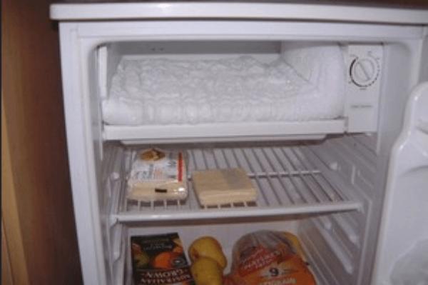 xử lí tủ lạnh bị đóng tuyết