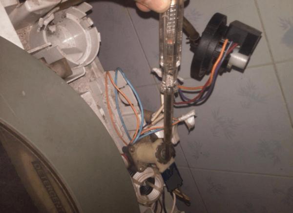 phao áp suất máy giặt