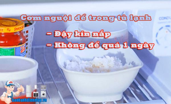 Để cơm nguội trong tủ lạnh đúng cách