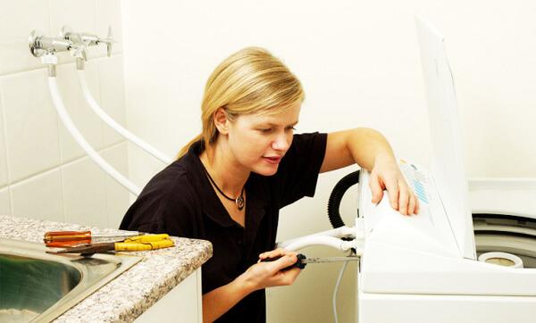 Vì sao máy giặt bị lỗi không vắt không xả 1