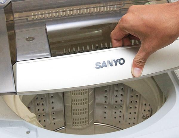 Vì sao máy giặt bị lỗi không vắt không xả 2